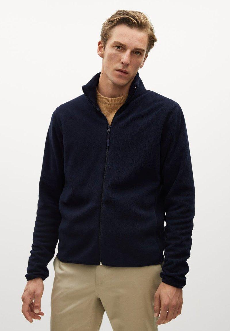 Mango - FLUFFY - Fleece jacket - dunkles marineblau