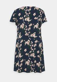 Vero Moda Curve - VMSIMPLY EASY DRESS - Kjole - navy blazer/imma - 1