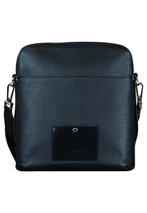 VOYAGER 2.0 - Across body bag - black
