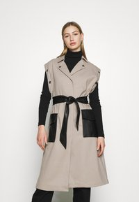 4th & Reckless - JAGGER JACKET - Trenchcoat - taupe/black - 3