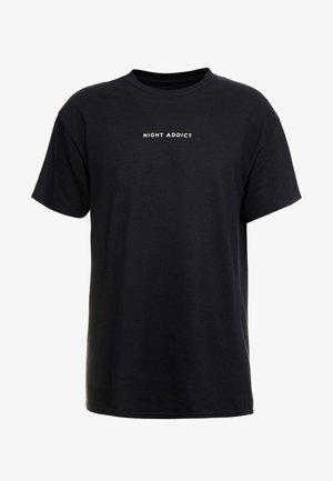 NEVER - Print T-shirt - black