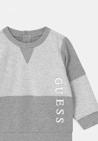 Guess - ACTIVE  - Sweatshirt - light heather grey - 2