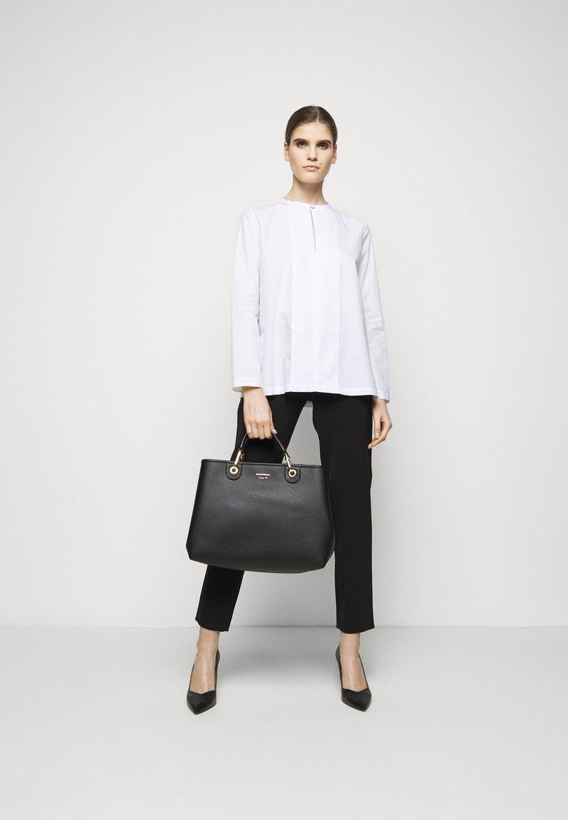 Emporio Armani - MY EAHANDBAG SET - Handbag - nero/silver-coloured