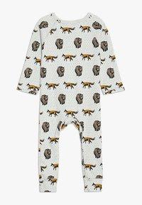 Tobias & The Bear - BABY THE FOX AND THE BEAR LONG ROMPER - Pyjamas - pale stone - 1