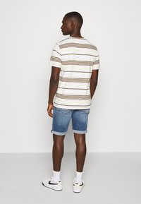 Tommy Jeans - RONNIE - Denim shorts - blue denim - 2