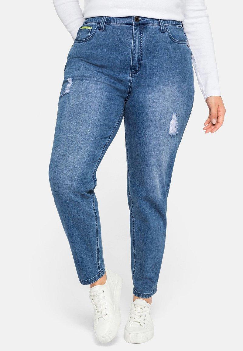 Sheego - Jeans baggy - blue denim
