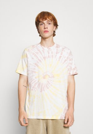 CHATSWORTH TIE DYE - Print T-shirt - yellow