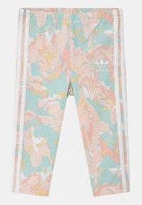 adidas Originals - TEE SET - T-shirt imprimé - white bottom/pink tint/multicolor - 2