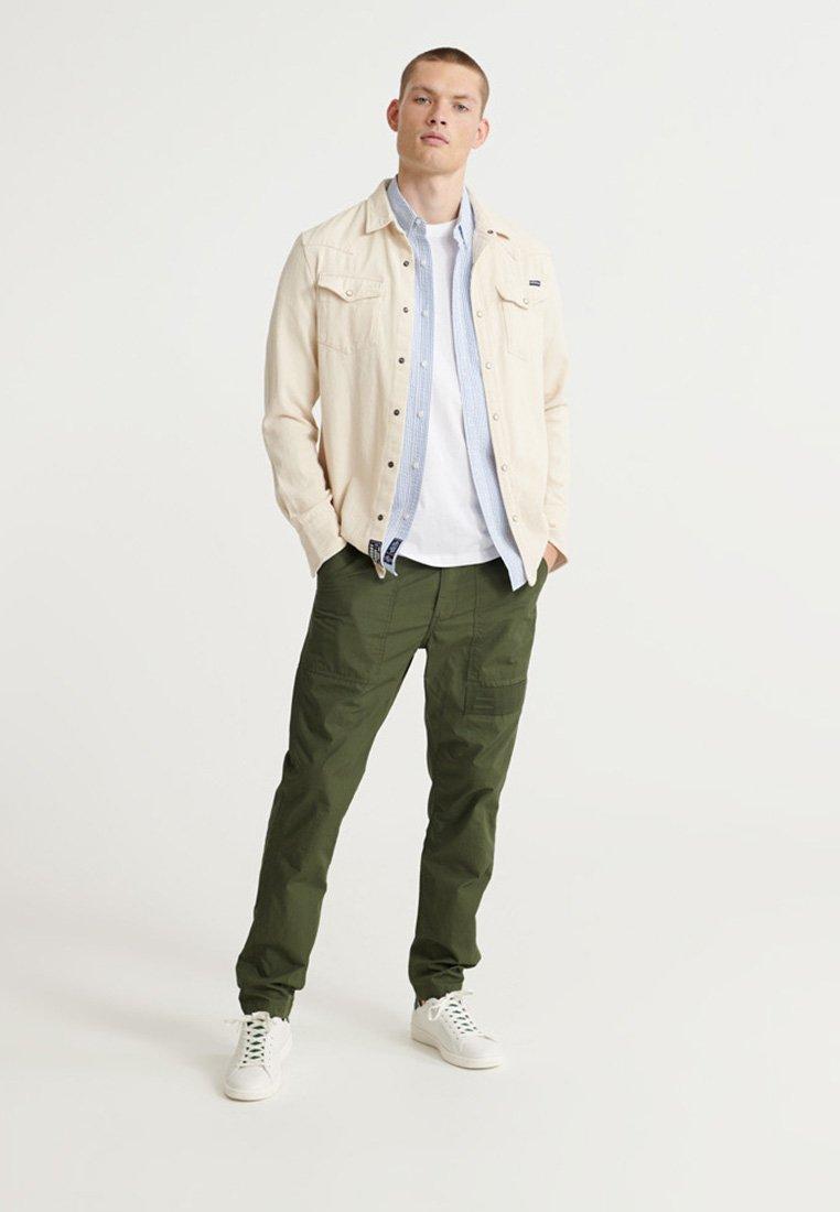 Uomo CLASSIC SEERSUCKER  - Camicia
