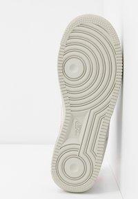 Nike Sportswear - AIR FORCE 1 - Sneaker low - white/digital pink/pink foam/hyper crimson/light bone - 8