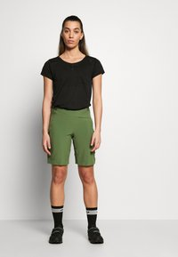 Patagonia - TYROLLEAN BIKE SHORTS - kurze Sporthose - camp green - 1