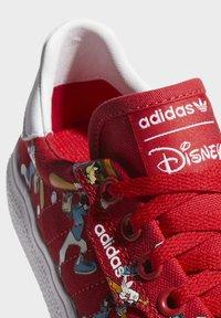 adidas Originals - DISNEY SPORT GOOFY - Skate shoes - red - 7