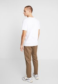 Wood Wood - TRISTAN TROUSERS - Trousers - taupe - 2
