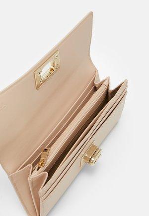CONTINENTAL WALLET - Wallet - ballerina light pink