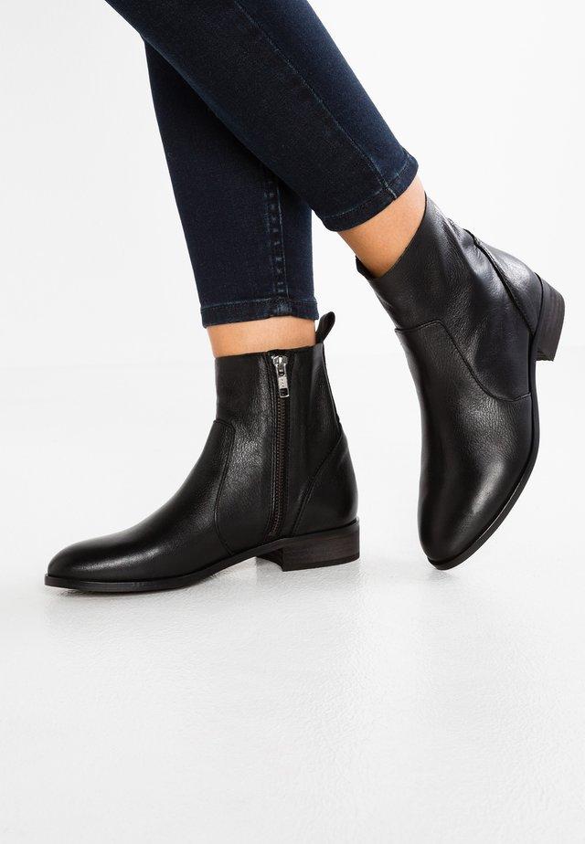 ASHLEIGH - Støvletter - black
