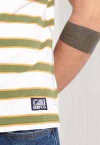 Superdry - Polo shirt - optic multi - 1