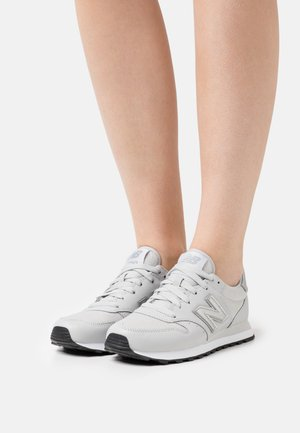 GW500 - Baskets basses - grey