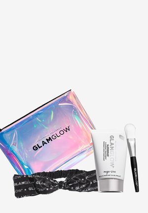 HOLLYWOODS FACIALIST WILL SEE YOU NOW - Skincare set - -