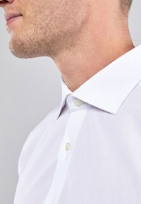Next - WHITE SLIM FIT DOUBLE CUFF CURVED CUTAWAY COLLAR SHIRT - Camicia elegante - white - 2