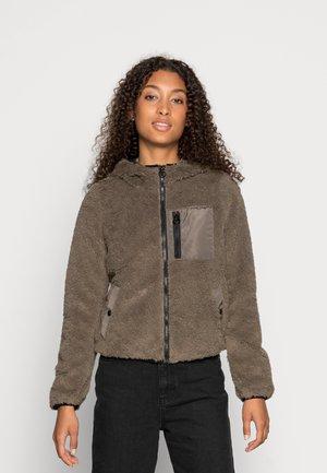 VMCOZYSTELLA SHORT JACKET  - Winter jacket - bungee cord