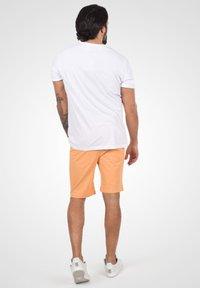 Solid - Denim shorts - orange chi - 2