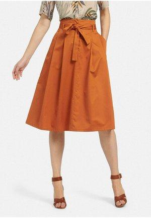 Pleated skirt - cognac