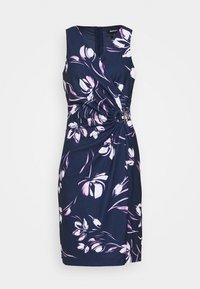 V NECK SIDE TIE WRAP - Pouzdrové šaty - spring navy/multi