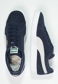 Puma - SUEDE CLASSIC+ - Baskets basses - peacoat/white - 1