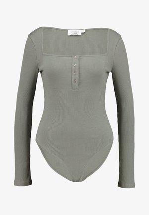 Pamela Reif x NA-KD LONG SLEEVE BUTTON DETAIL BODYSUIT - Maglietta a manica lunga - dark grey