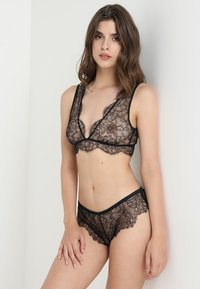 LOVE Stories - CHERIE - Triangle bra - black - 1