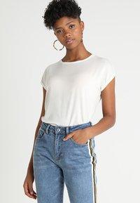 Vero Moda - VMAVA PLAIN - T-shirt basic - snow white - 0