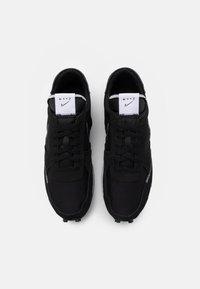 Nike Sportswear - DBREAK-TYPE - Sneakers laag - black/white - 5
