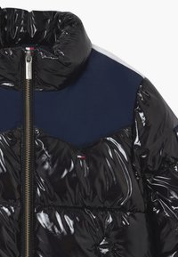 Tommy Hilfiger - SHINY YOKE PUFFER - Winter jacket - black - 3