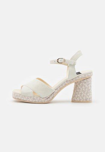 CORDELIA - Platform sandals - todo/marfil