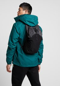 The North Face - FLYWEIGHT PACK - Rugzak - asphalt grey - 1