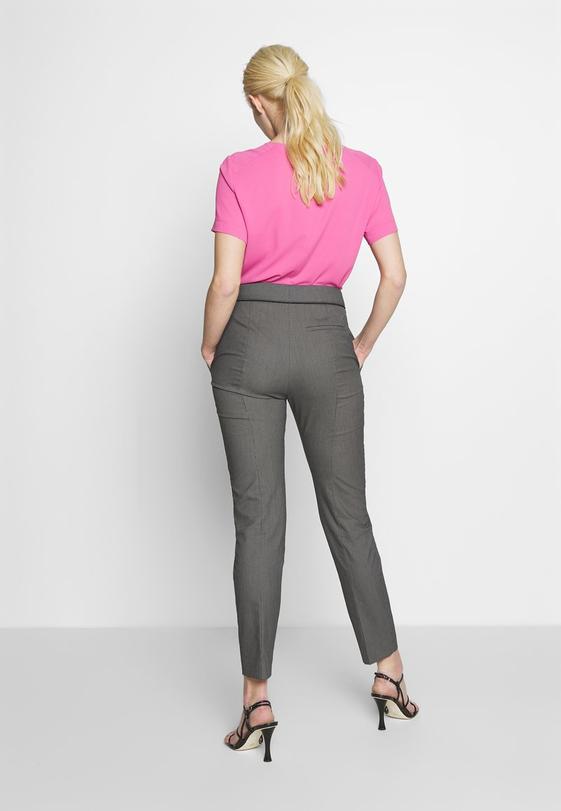 HUGO - THE CROPPED TROUSERS - Trousers - black