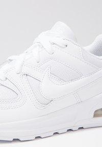 Nike Sportswear - AIR MAX COMMAND FLEX - Trainers - white - 5