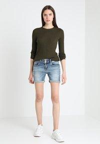 LTB - BECKY - Denim shorts - lewa wash - 1