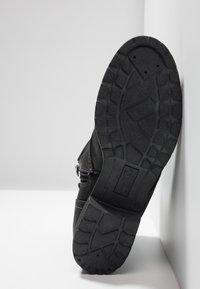 TOM TAILOR DENIM - Botines con cordones - black - 6