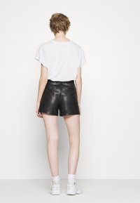 ONLY - ONYPEONY YSABELLE - Shorts - black - 2