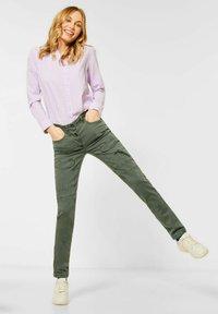 Cecil - MIT CARGO-TASCHEN - Cargo trousers - grün - 1