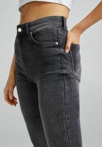 Bershka - Jeans Skinny Fit - dark grey - 3