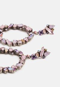 Konplott - ABEGAIL - Earrings - pink/lilac - 2