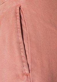 Vero Moda Petite - VMMIA SUMMER - Shorts - old rose - 2