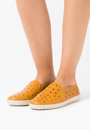 Slip-ons - yellow/sherry