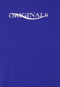 Jack & Jones - JORELIAS TEE CREW NECK - T-shirt med print - surf the web - 2
