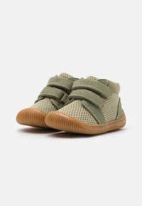 Woden - TRISTAN BABY - Baby shoes - dusty olive - 1