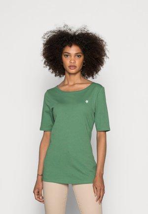 SHORT SLEEVE ROUND NECK - Basic T-shirt - meadow grass