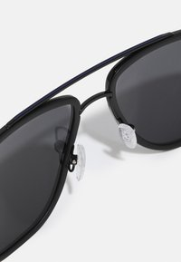 Salvatore Ferragamo - Sluneční brýle - black - 4