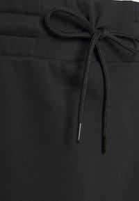 Nike Sportswear - CLASH SKIRT - Minifalda - black - 6